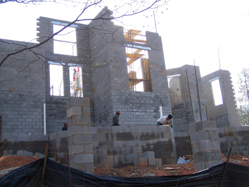 mangum-design-build-concrete-masonry-home-p432-33
