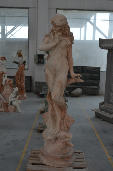 mangum-design-build-marble-statues-1