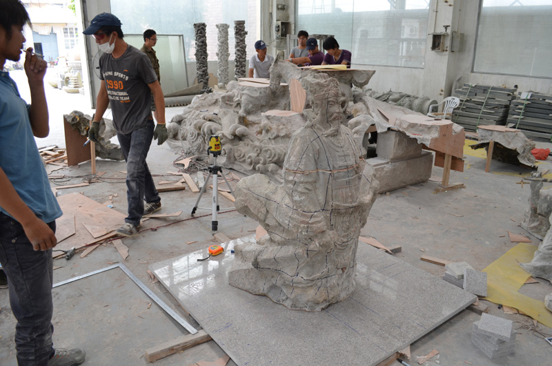 mangum-design-build-marble-statues-11