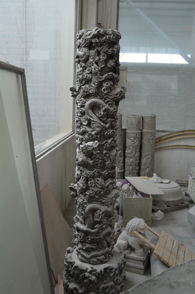 mangum-design-build-marble-statues-12