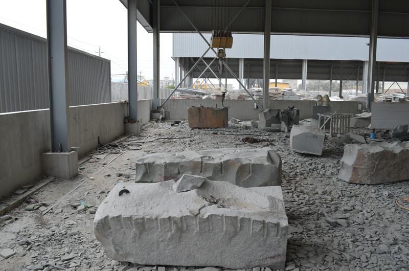 mangum-design-build-marble-statues-15
