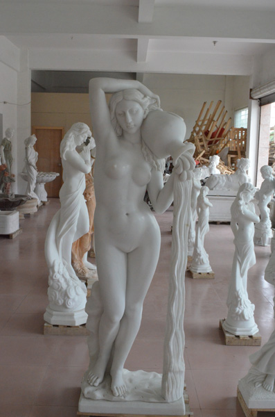 mangum-design-build-marble-statues-24
