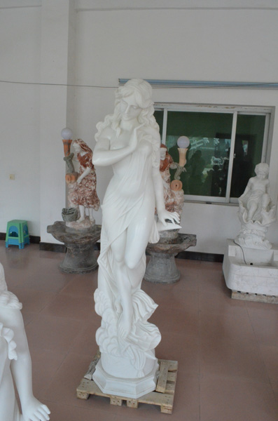 mangum-design-build-marble-statues-27
