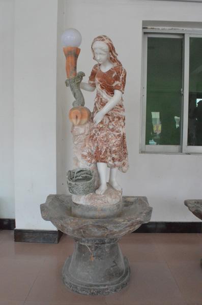 mangum-design-build-marble-statues-30
