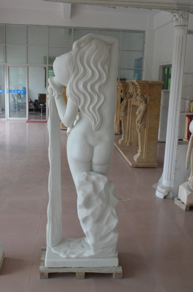 mangum-design-build-marble-statues-31