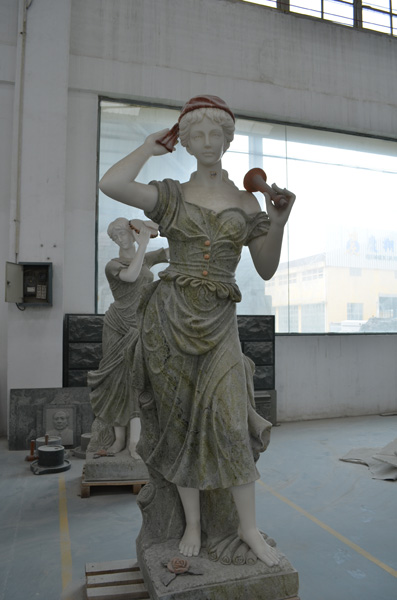 mangum-design-build-marble-statues-4
