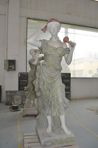 mangum-design-build-marble-statues-5