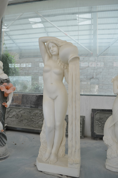 mangum-design-build-marble-statues-9